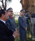 Coronel Edward Slate, Coronel Marcelo Núñez y Sr. Juan Domingo Rivera, junto al monolito recién descubierto.
