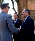 El P. Raúl Arcila, Rector Subrogante del Templo Votivo, también recibió la Moneda Cincuentenario de la Escuela de Suboficiales.
