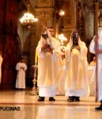 El 14 de marzo, tras la Misa de los 200 años de la Promesa de Chile a la Virgen del Carmen, ambas imágenes iniciaron el peregrinaje por las unidades militares del país (9)-001