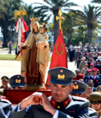 Las imágenes de la Virgen del Carmen peregrinaron desde Arica y Punta Arenas hacia Santiago, pasando por los diferentes cuarteles y reparticiones del Ejército (14)