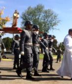 Los días previos al 5 de abril. las dos imágenes permanecieron en la Escuela de Suboficiales del Ejército, donde fueron veneradas por el personal y alumnos dragoneantes (1)